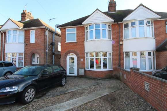 3 Bedrooms Detached House for rent in Ashcroft Road