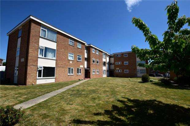 3 Bedrooms Apartment Flat for sale in Wimsey Court, Witham, Essex