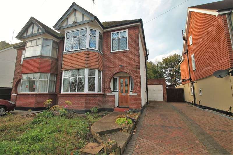 3 Bedrooms Semi Detached House for sale in Milton Hall Road, Gravesend, DA12 1QN