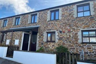 2 Bedrooms Terraced House for rent in Redruth