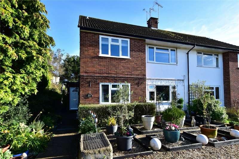 2 Bedrooms Maisonette Flat for sale in Green Street, Chorleywood, Herts, WD3