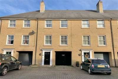 4 Bedrooms Terraced House for rent in Bury St Edmunds, IP33 1AH