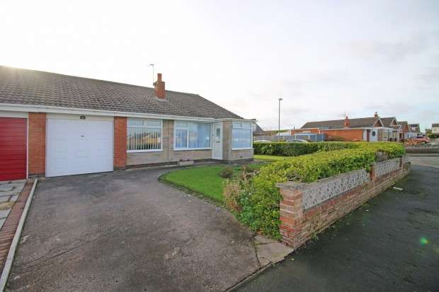 3 Bedrooms Bungalow for sale in Larkholme Parade, Fleetwood, FY7