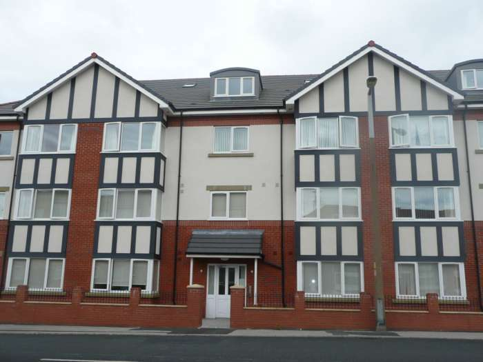2 Bedrooms Flat for rent in The Park Apartments, Hawes Side Lane, Blackpool