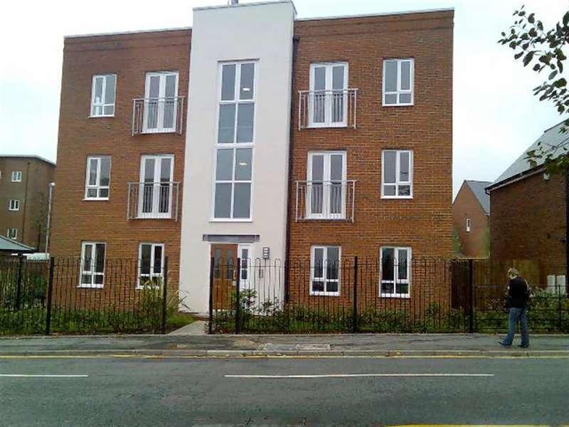 1 Bedroom Apartment Flat for rent in Astbury Court, Westport Road, Burslem, Stoke-On-Trent, ST6 4AB