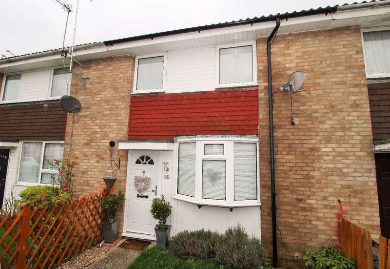 2 Bedrooms Terraced House for sale in Alan Road Witham Essex CM8 1PT