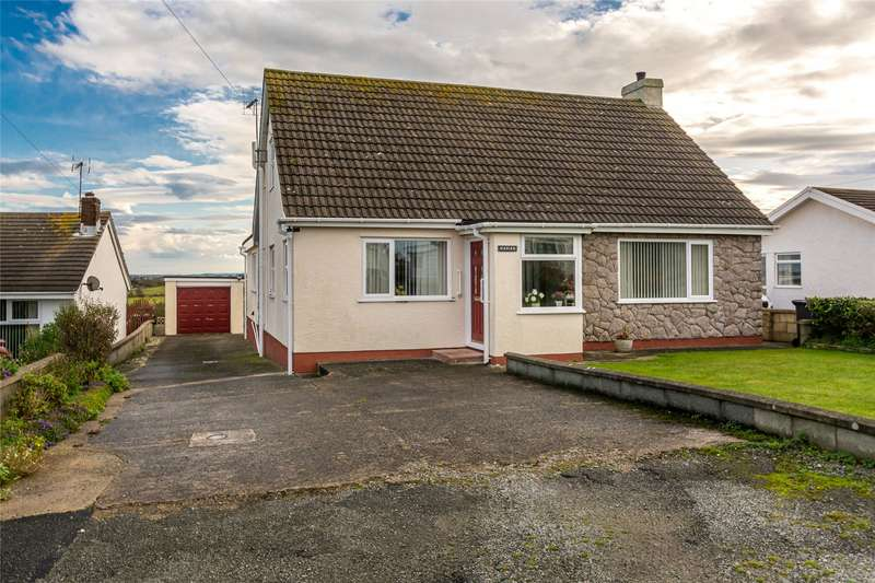 3 Bedrooms Detached Bungalow for sale in Lon Crecrist, Trearddur Bay, Holyhead, LL65