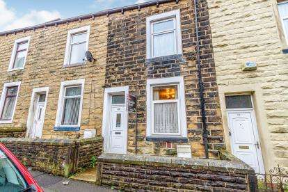 3 Bedrooms Terraced House for sale in Derby Street, Colne, Lancashire, BB8