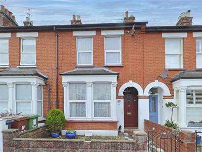 3 Bedrooms Terraced House for sale in Drayton Road, Borehamwood