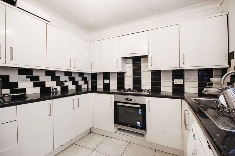 3 Bedrooms Terraced House for sale in Louise Road, Stratford, E15