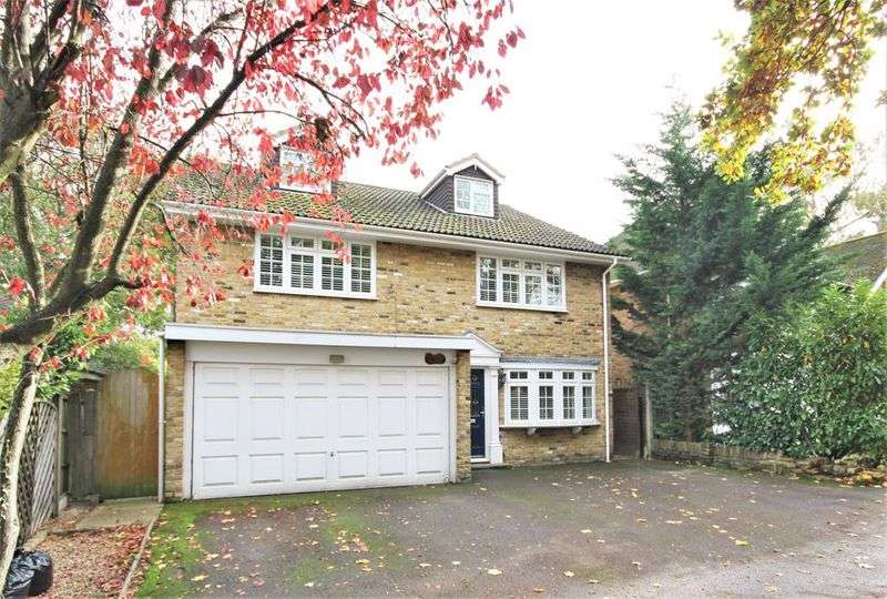 5 Bedrooms Property for sale in The Retreat, Brentwood