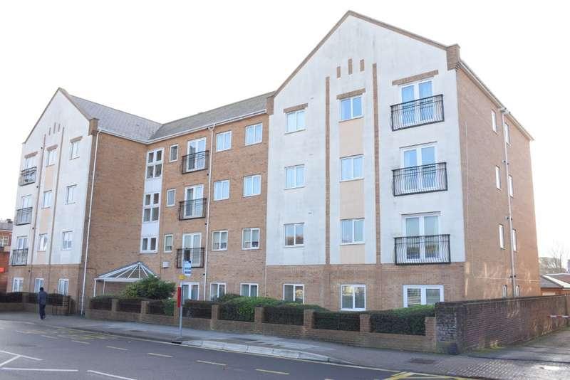 2 Bedrooms Flat for sale in Wayte Street, Cosham, Portsmouth, PO6 3AR