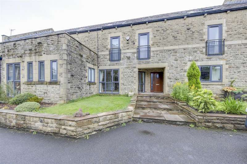 5 Bedrooms Town House for rent in Riverbank Mews, Loveclough, Rossendale