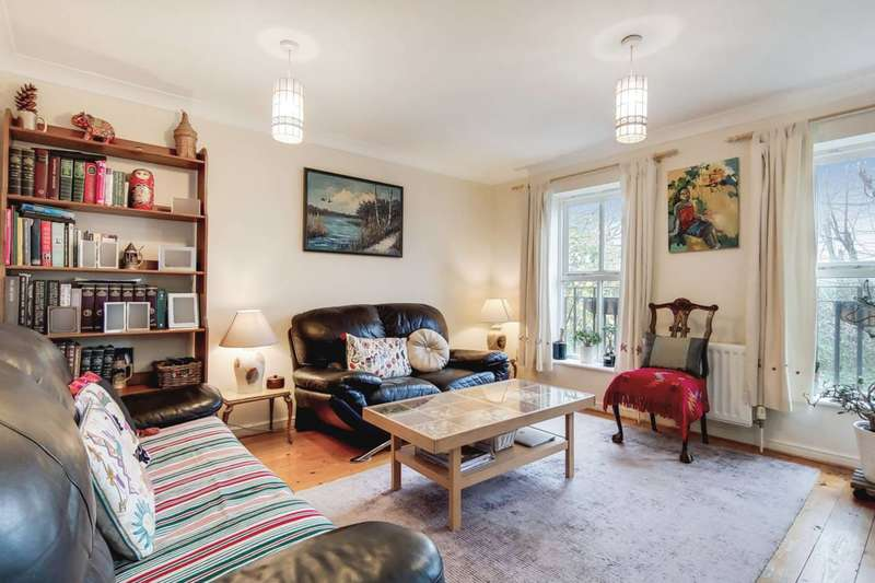 3 Bedrooms House for sale in Angelica Drive, Beckton, E6