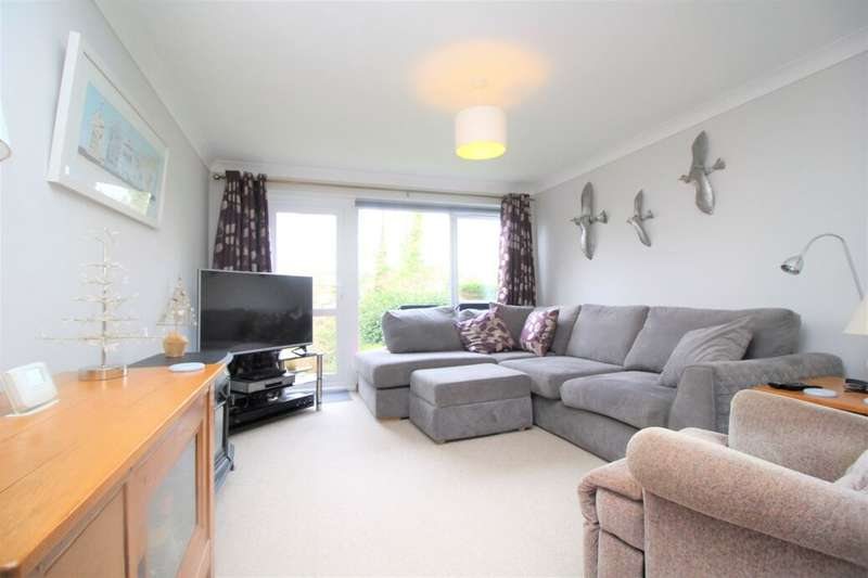 2 Bedrooms Flat for rent in The Marles, Exmouth, EX8