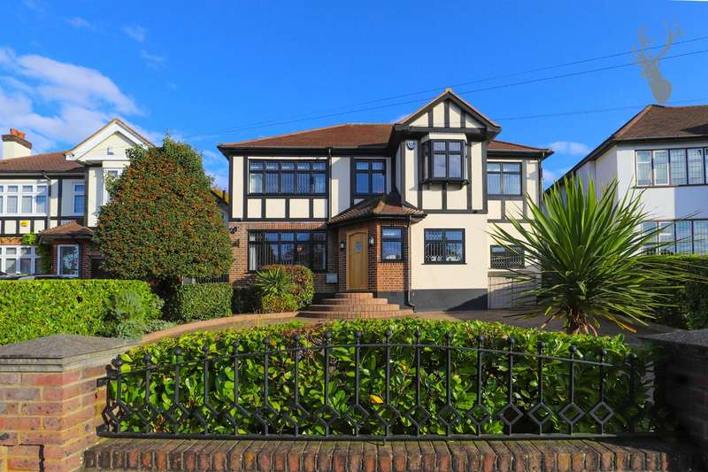 6 Bedrooms Detached House for sale in Tycehurst Hill, Loughton
