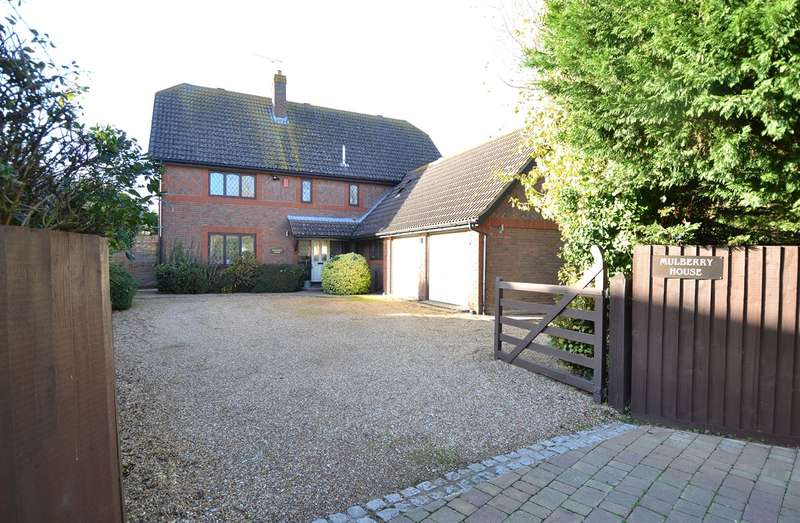 4 Bedrooms Detached House for sale in The Leas, Chestfield, Whitstable
