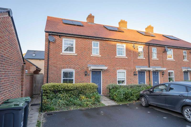 2 Bedrooms End Of Terrace House for rent in Bayford Way, Stansted, Essex, CM24 8TQ