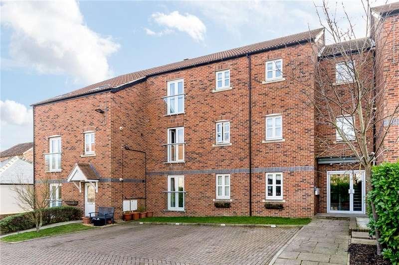 2 Bedrooms Apartment Flat for rent in Lancaster Court, Boroughbridge, York, North Yorkshire