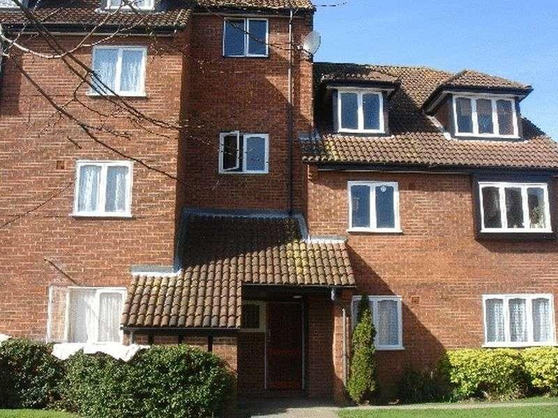 1 Bedroom Property for rent in Springwood Crescent, Edgware, Middlesex, HA8 8SF