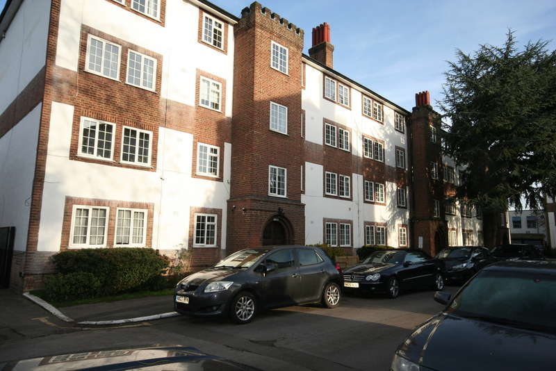 2 Bedrooms Apartment Flat for rent in Kew Road, Richmond, TW9