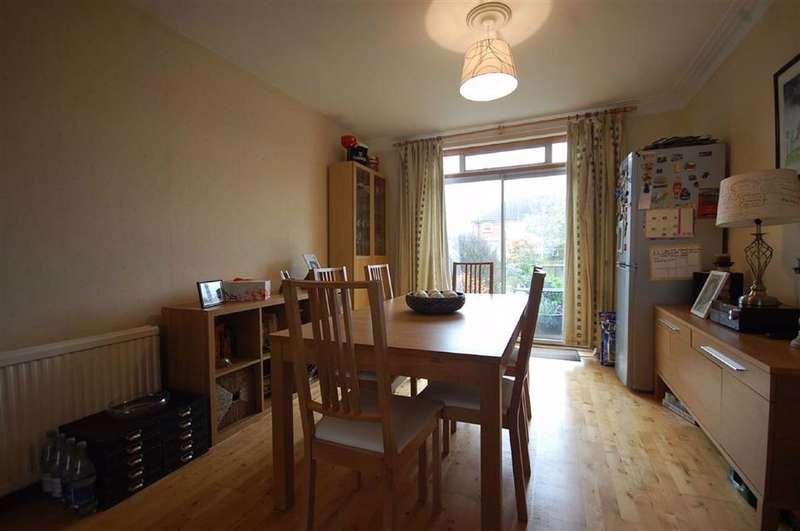 3 Bedrooms Semi Detached House for rent in Ruislip