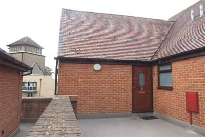 2 Bedrooms Flat for rent in Manorsfield Road, Bicester