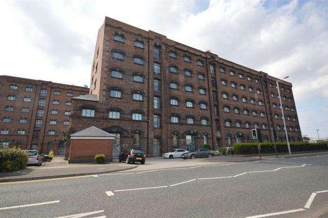 2 Bedrooms Apartment Flat for rent in Dock Road, Birkenhead