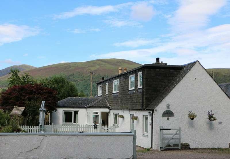 4 Bedrooms Detached House for sale in 6-7 Station Road, Garve, Highland, IV23