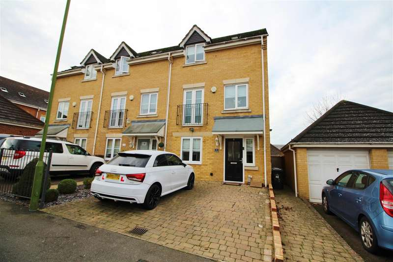 4 Bedrooms End Of Terrace House for rent in Auden Drive, Borehamwood