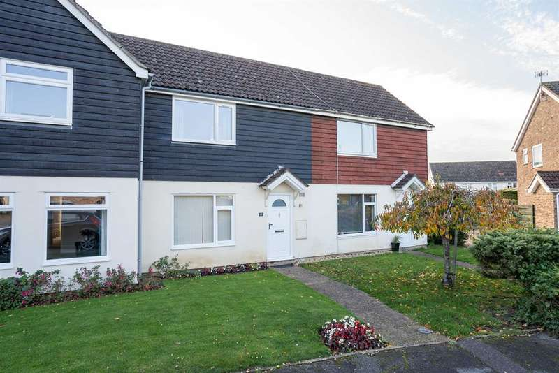 2 Bedrooms Terraced House for rent in Hollybush Way, Linton, Cambs, CB21 4XH