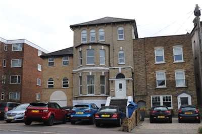 Flat for rent in BRENTWOOD