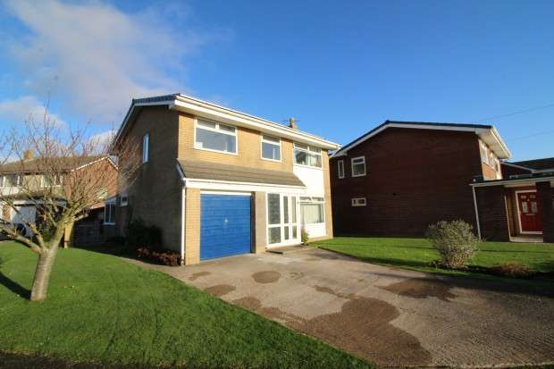 5 Bedrooms Detached House for sale in Wentworth Avenue, Fleetwood, FY7