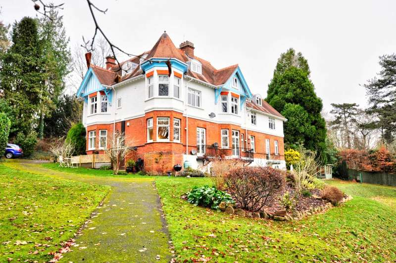 2 Bedrooms Apartment Flat for rent in The Heights Henley Road, Marlow