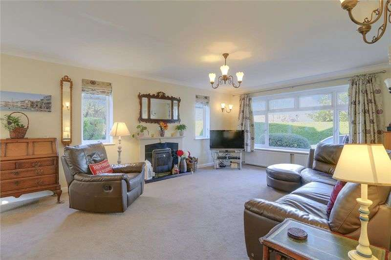3 Bedrooms Property for sale in West Way, Carshalton. SM5 4EN
