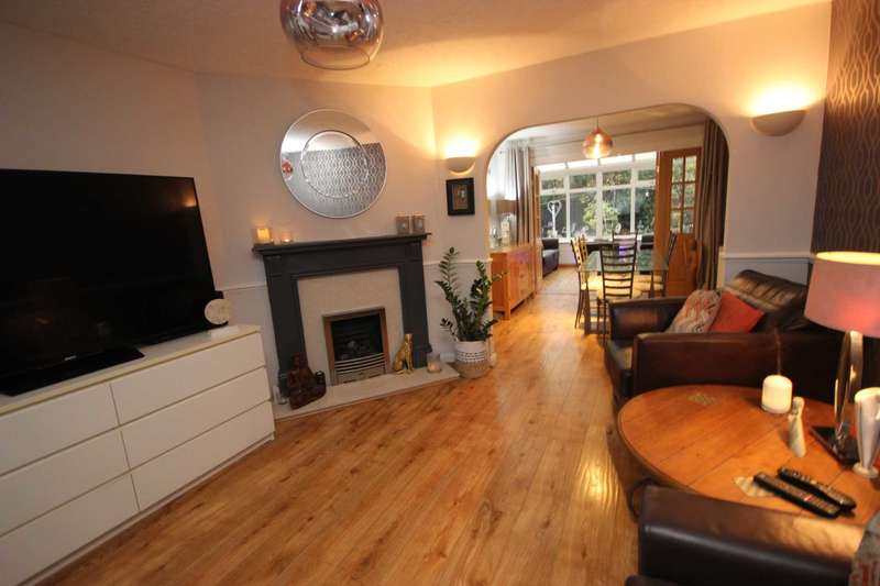 4 Bedrooms Detached House for sale in Sunningdale Road, Manchester