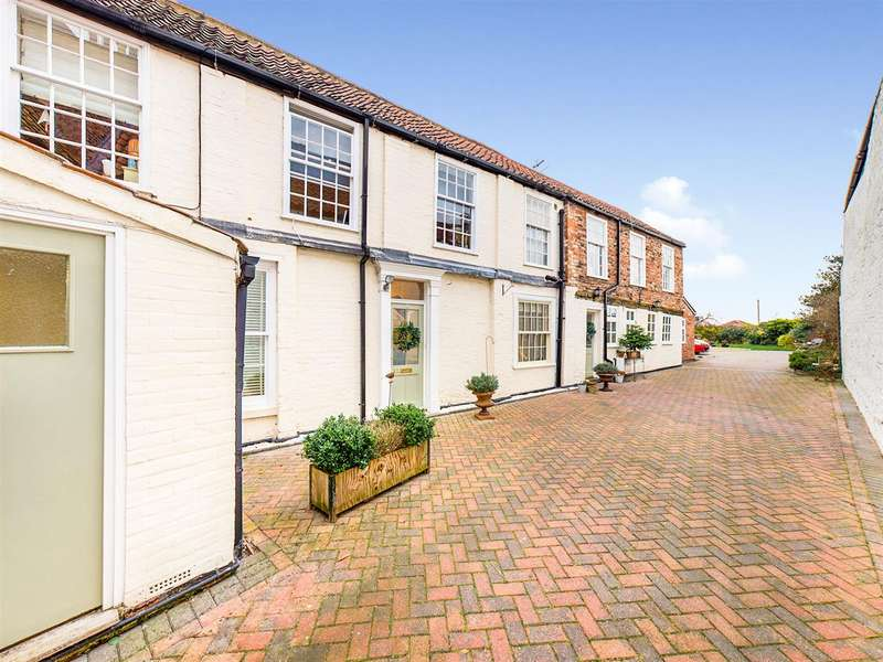 5 Bedrooms Semi Detached House for sale in North Bar Without, Beverley