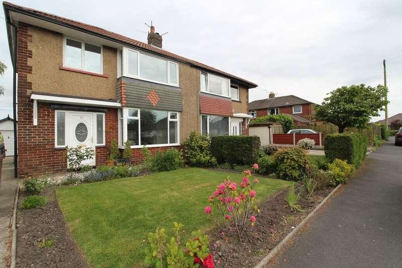 3 Bedrooms Property for rent in Grasmere Road, Haslingden, Rossendale, BB4