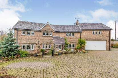 4 Bedrooms Detached House for sale in Barnsfold Road, Marple, Stockport, Cheshire