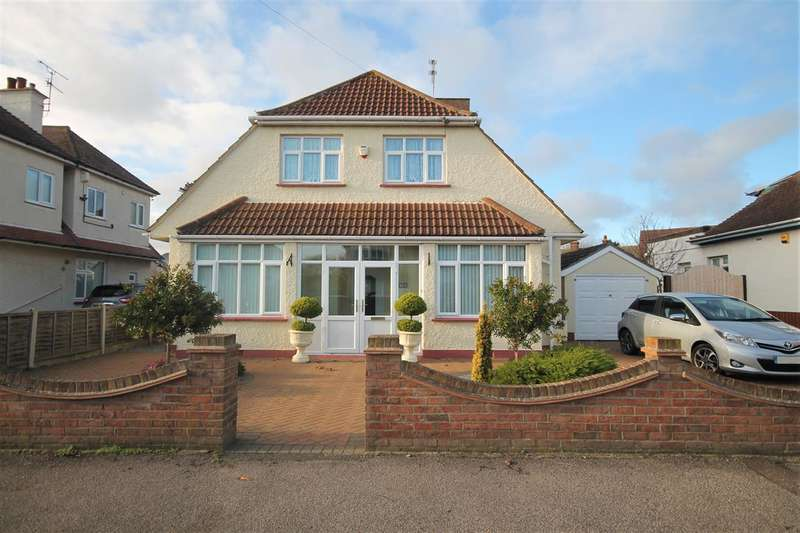 5 Bedrooms House for sale in Holland Road, East Clacton