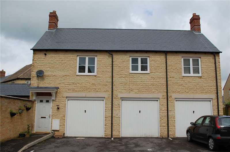 2 Bedrooms Detached House for rent in Trefoil Way, CARTERTON, Oxfordshire, OX18