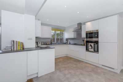 3 Bedrooms Semi Detached House for sale in The Fairway, Bickley, Kent, BR1