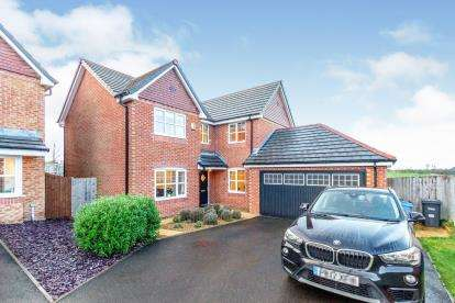 4 Bedrooms Detached House for sale in Teal Close, Wesham, Preston, Lancashire, PR4