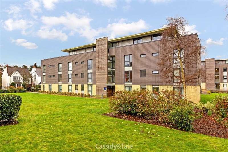2 Bedrooms Property for rent in Winchester Court, St Albans, Hertfordshire - AL1 3GT