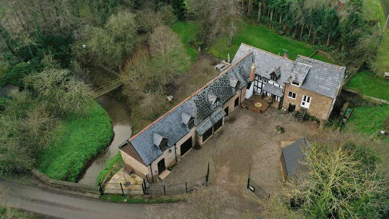 6 Bedrooms Property for sale in Winslow, Nr Bromyard, Herefordshire