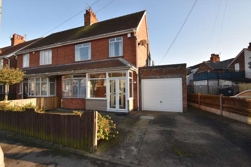 3 Bedrooms Semi Detached House for sale in Dorothy Avenue, Skegness, PE25