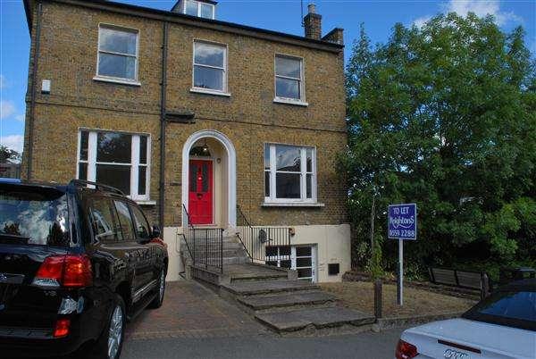 4 Bedrooms Detached House for rent in Queens Road, Buckhurst Hill