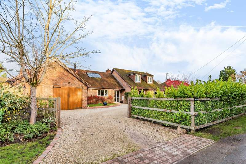 5 Bedrooms Detached House for sale in Hyde End Lane, Brimpton, Reading, RG7