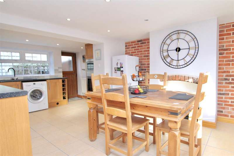 3 Bedrooms House for sale in South Parade, Caythorpe, Grantham