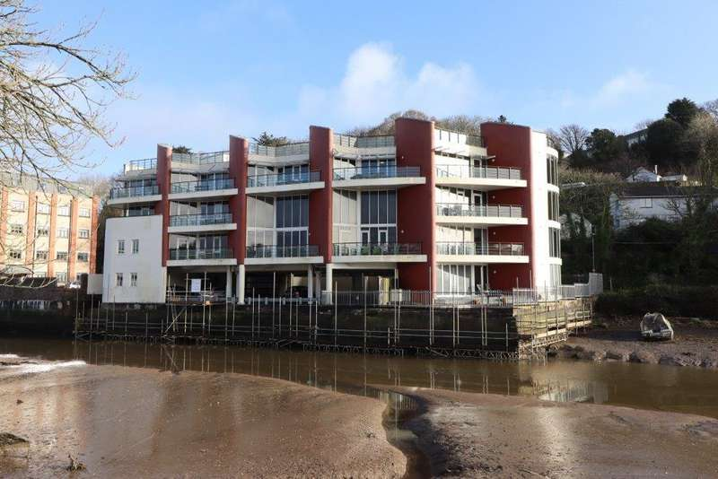 3 Bedrooms Apartment Flat for rent in Malpas House, Truro